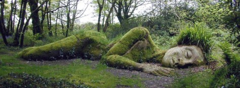 sleeping-goddess-at-the-lost-gardens-of-heligan-england-picture1-1024x380